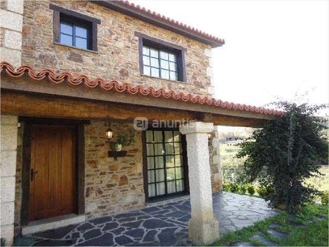 Pin chalet rustico en vancouver fachadas de casas fotos on - Fachadas de chalets ...