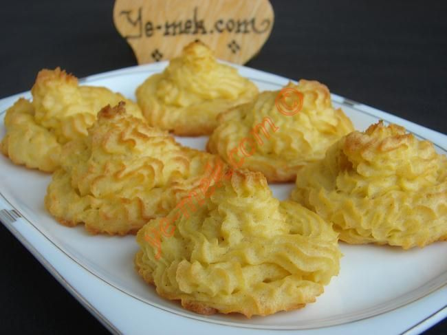 Duchess Potatoes Recipe | sides | Pinterest