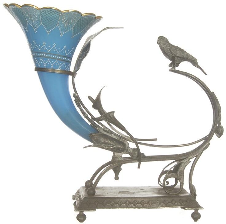 Викторианская эпоха Фигурный ИЗОБИЛИЕ Ваза, синий непрозрачный художественного стекла с декором белой эмалью, расположенных в оригинальных WILCOX серебряные КАДР ОТЛИЧАЯ птиц и ДЕКОР Morning Glory