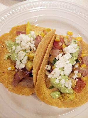 Roasted Veggie Tacos | Veggie...clean...or green eating..yumm | Pinte ...