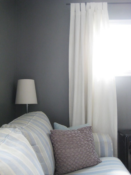 Benjamin moore chelsea gray sunroom paint colors pinterest for Benjamin moore chelsea gray paint
