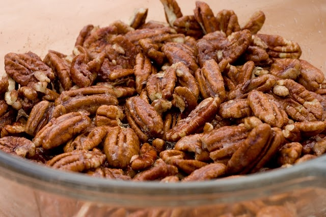 Sugar coated pecans | Desserts / sweets / snacks | Pinterest