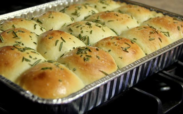 Rosemary Potato Rolls in Handi-Foil pan | Food I want to make | Pinte ...