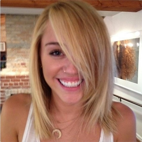 Short blonde bob Miley Cyrus
