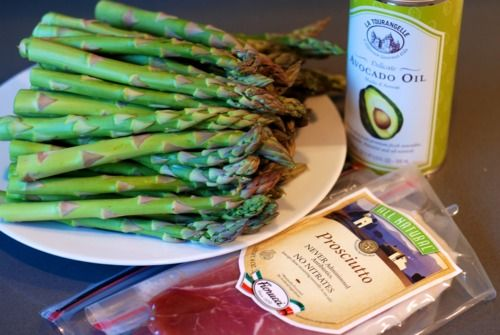 Broiled Prosciutto-Wrapped Asparagus Spears