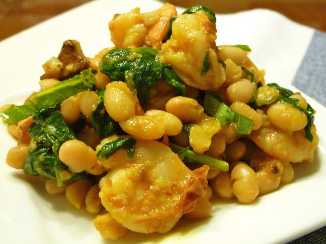 Tuscan White Beans with Shrimp, Spinach, & Roasted Tomatoes