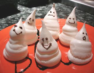 Spooky Ghost Meringues | Dessert: A Necessary Evil | Pinterest