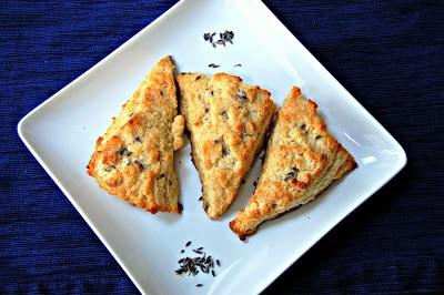 Eva Bakes - Theres always room for dessert!: Sweet lavender scones
