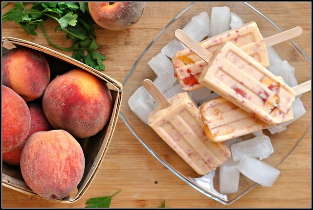 82-calorie peaches and cream vodka popsicles