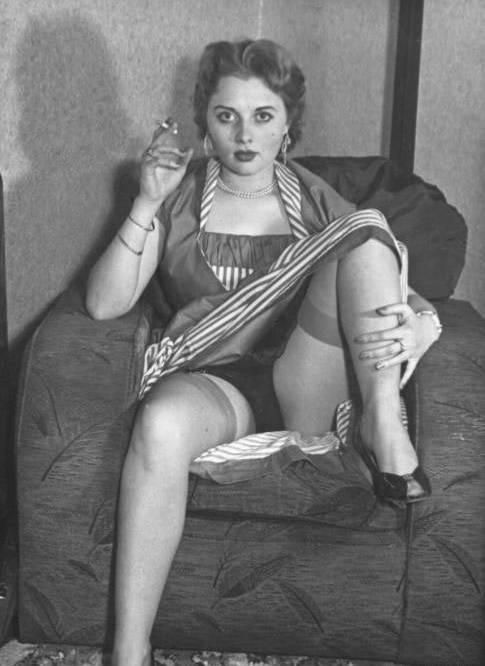 Vintage girl pictures