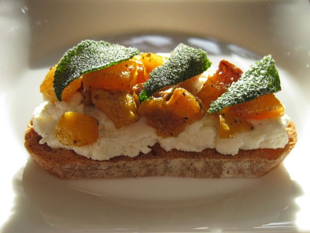 Butternut Squash, Ricotta, and Sage Crostini: paleo recipes, dessert ...