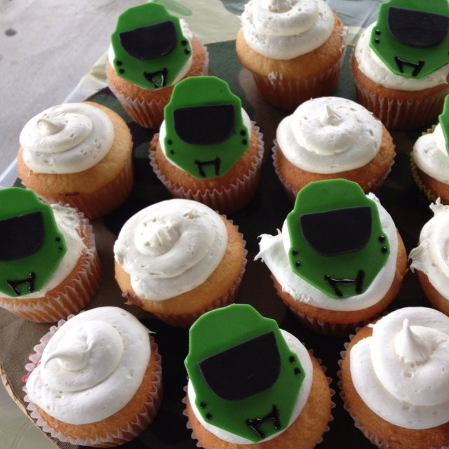 halo cupcakes