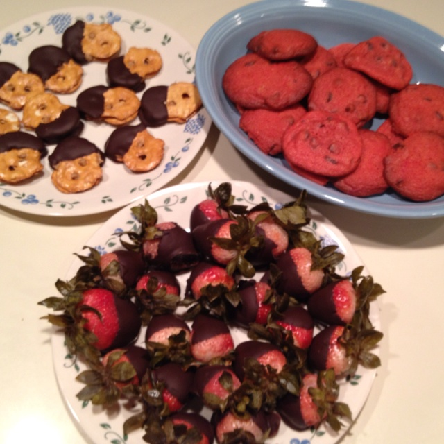 ... butter chocolate dipped sandwiches and pink chocolate chip cookies