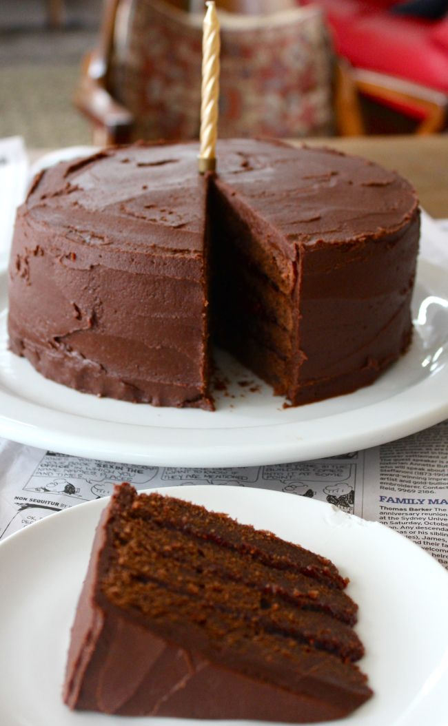 Chocolate and Raspberry Layer Cake | Desserts et bonbons | Pinterest