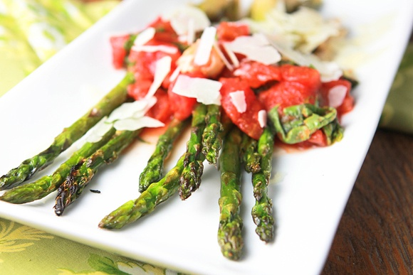 Grilled Asparagus Tartines With Fresh Ricotta, Pesto And ...