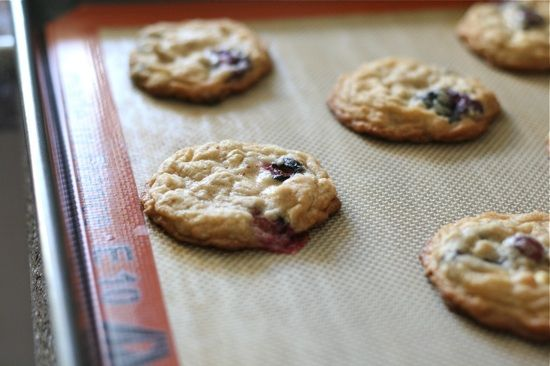 Blueberry White Chocolate Chip Oatmeal Cookies by laurenslatest   just ...