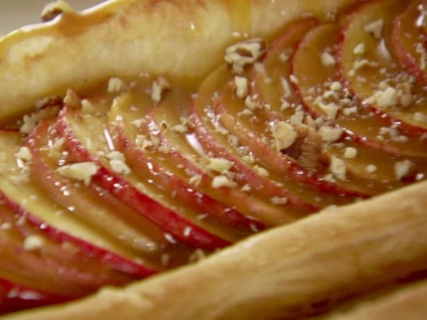 Quick and easy apple tart from The Pioneer Woman