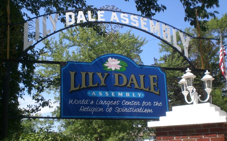 lily dale Reverend celeste elliot is available for live, in-person readings and mediumship in lilly dale, new york.