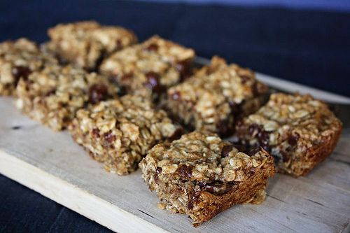 Banana Oatmeal Breakfast Bars (sub raisins or cranberries, and ...