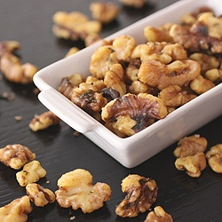 Rosemary roasted walnuts for healthy (and tasty!) snacking