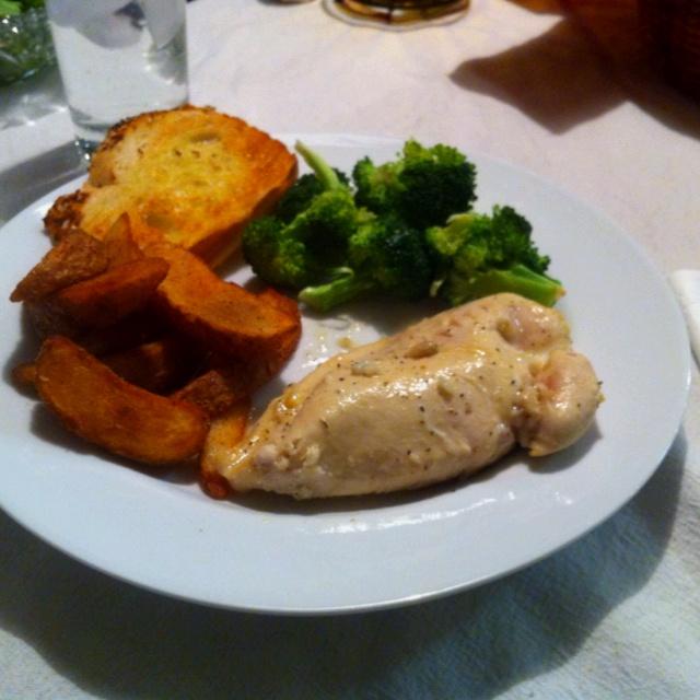 Yumm!! Lemon pepper chicken, steamed broccoli, potato wedges ...