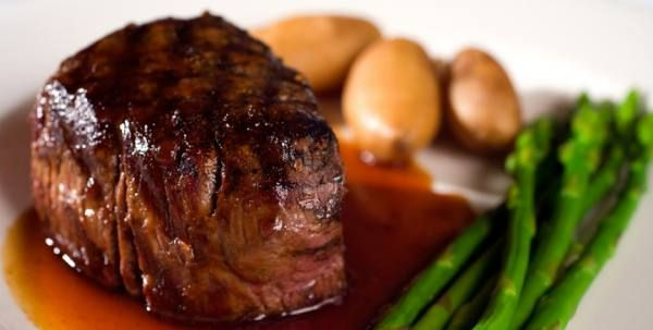 Filet Mignon with Red Wine Sauce | Food! (oh, and drinks) | Pinterest