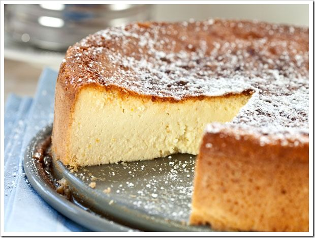 Italian Ricotta Cheesecake. Skip the optional cookie dusting and it is ...