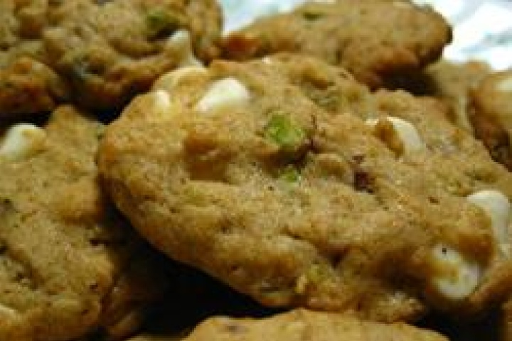 Pistachio White Chocolate Chip Cookies | recipes to try | Pinterest