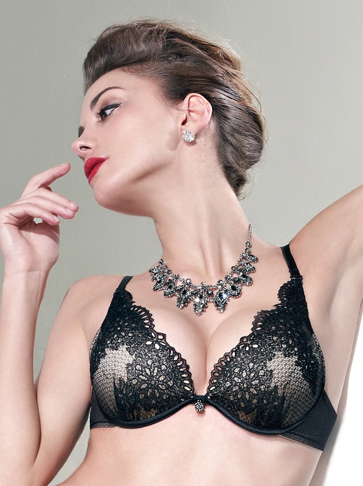 Wired 3/4 Cup Deep V Molded Bra