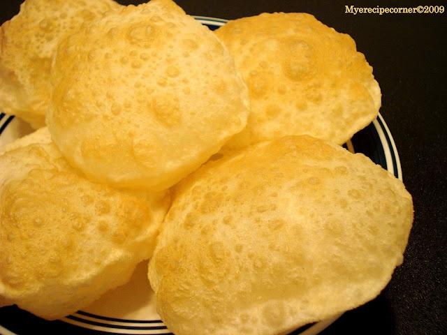 Poori/Puri( Puffy Deep Fried Indian Bread)