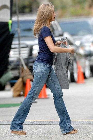 Jennifer Aniston T Shirt And Jeans Outfits Pinterest