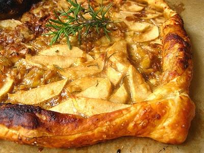 apple-cheddar-leek tart   Munchies & Boozy   Pinterest