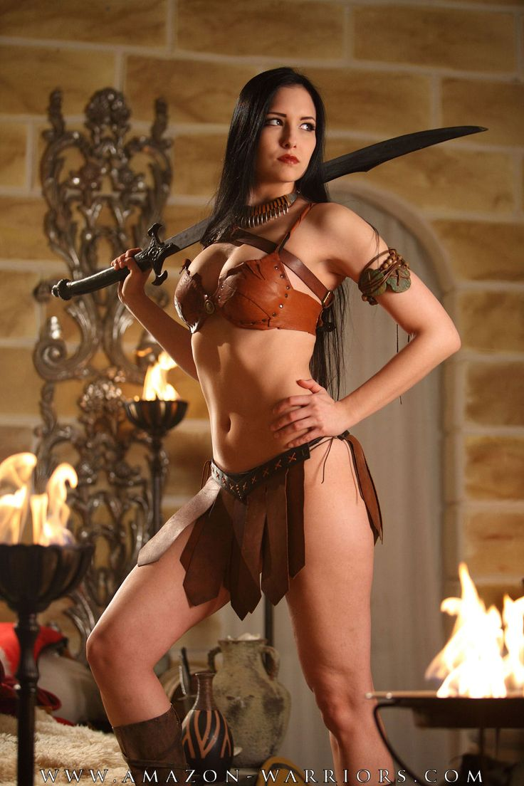 Women Wearing Revealing Warrior Outfits - Page 16 79ade2950a320f77a2b5fb638eea006f