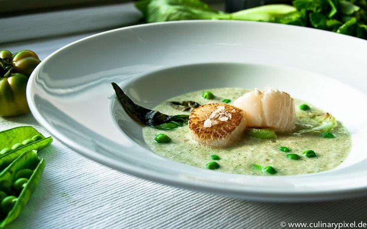 scallops with coconut-mint-gazpacho, pak choi & peas / Jakobsmuscheln ...