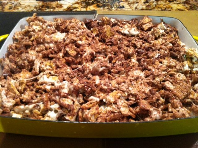 mores bars recipe using Golden Grahams. So good.