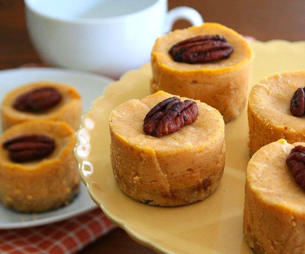 Mini Maple Pumpkin Cheesecakes vegan | Holidays | Pinterest