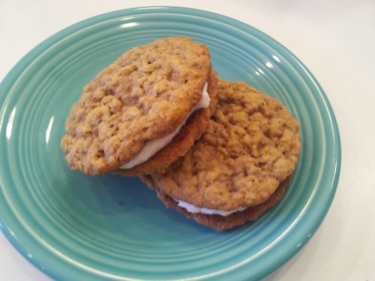 Oatmeal Sandwich Cookies - Best Ever!! I love these, the marshmallow ...