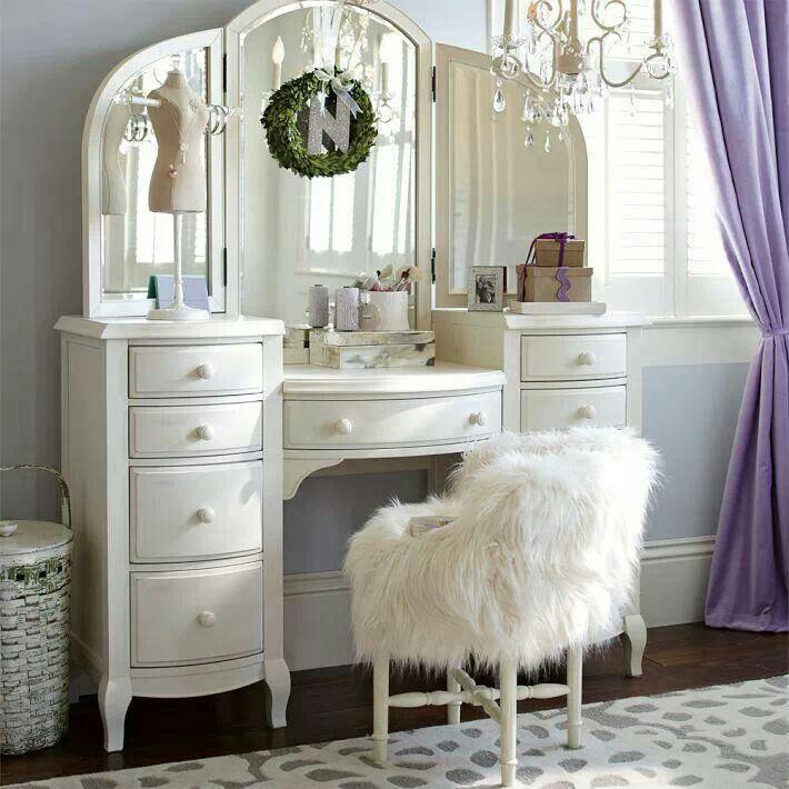 wei er schminktisch home living pinterest. Black Bedroom Furniture Sets. Home Design Ideas