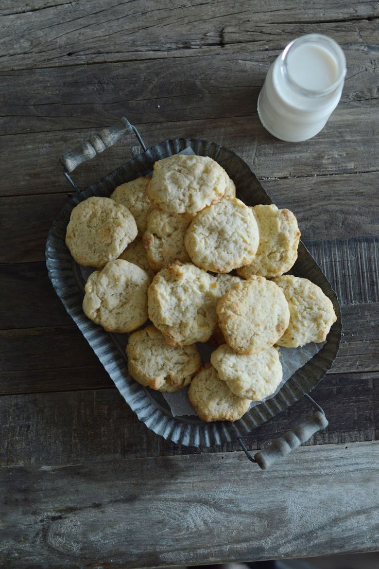 fork and flower: cream cheese, white chocolate & macadamia cookies