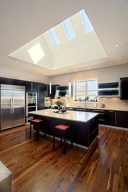Vaulted ceiling kitchen ideas espacios felices happy for Vaulted ceiling kitchen designs