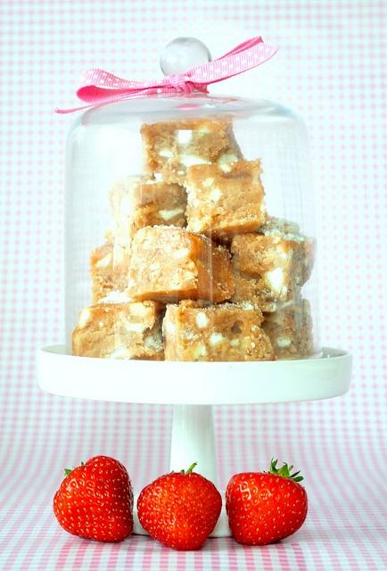 Eton Mess Fudge | Sweet Gifts Boutique | Pinterest