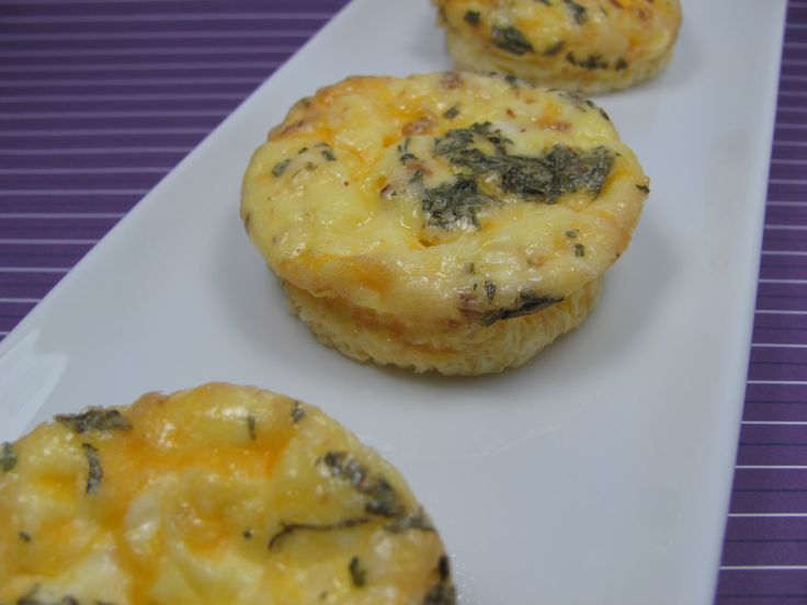 Mini Bacon and Cheese Frittatas | Dog Friendly Meals | Pinterest
