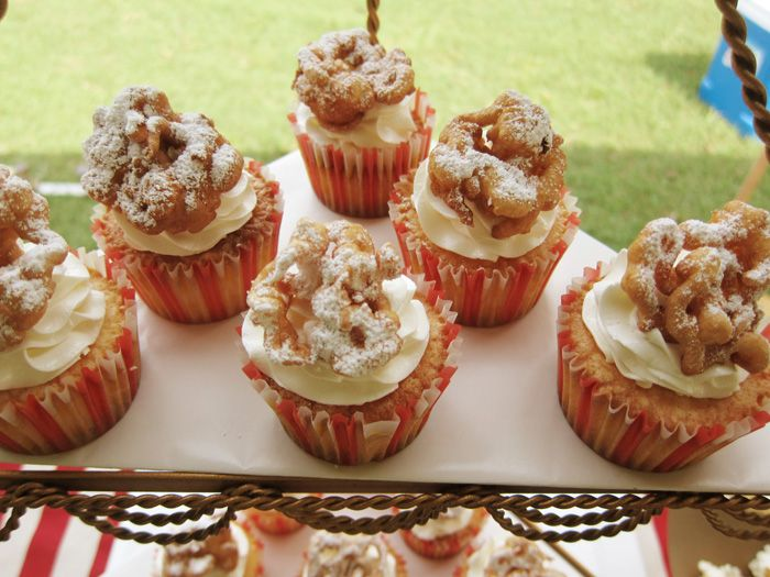 funnel cake cupcakes??!