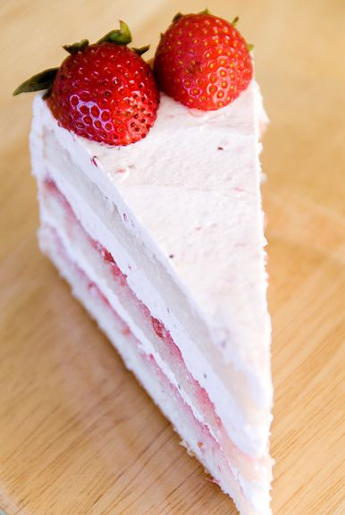 Strawberry Chiffon Buttercream Cake. A melt-in-your-mouth kinda cake ...
