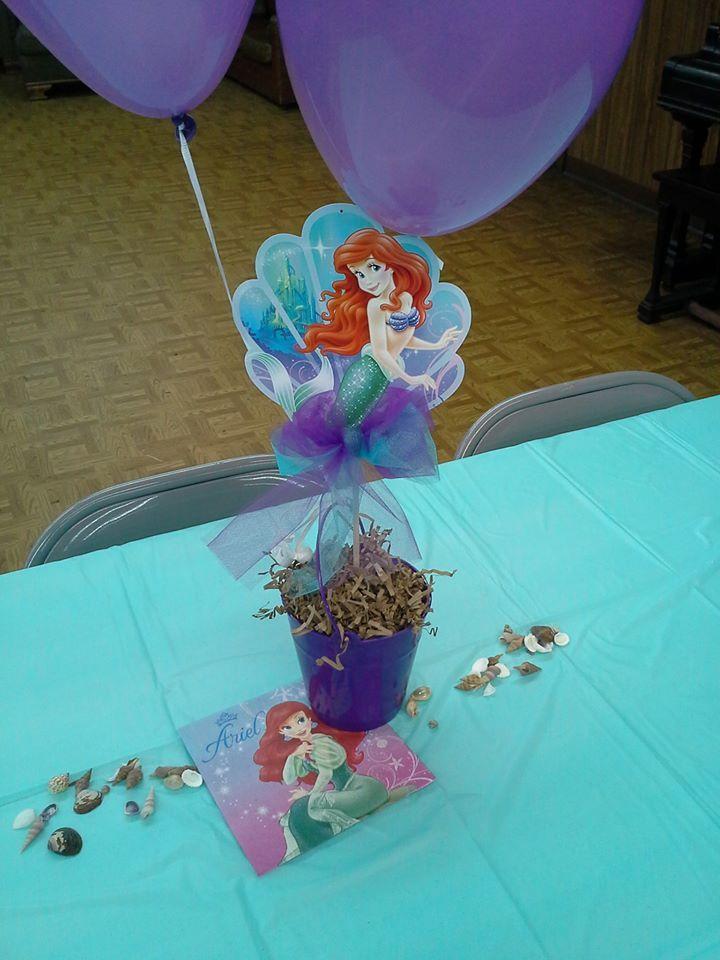 The little mermaid centerpiece 2 omg sophia 39 s birthday for Ariel decoration