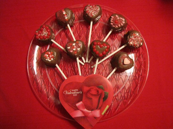 valentine day cake pops