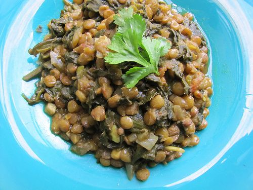 Palak Daal (Spinach & Lentil Curry) - sounds yummy & relatively easy ...