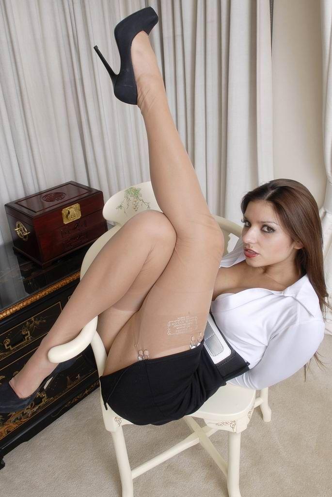 Фото секс с секретаршей в юбке 3 фотография