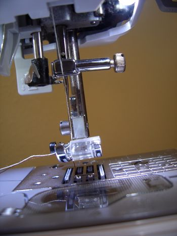 Sewing Machine Needles & How to Choose Them
