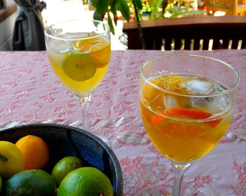 classic summer drinks: Sangria Blanca | MNN - Mother Nature Network